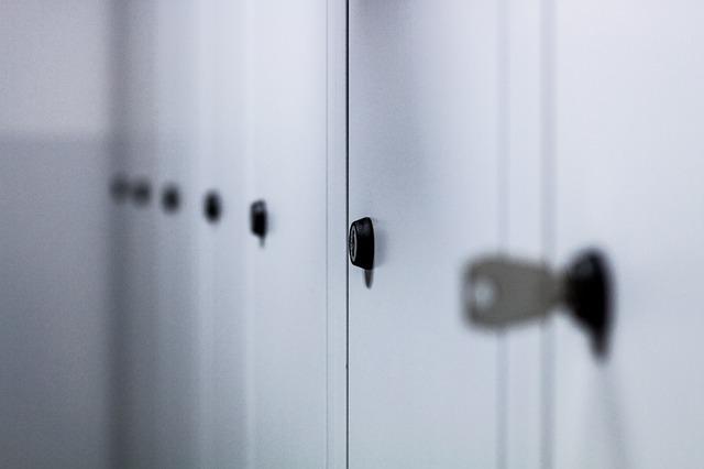 zámek skříňky